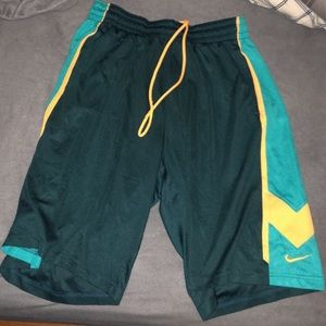 Other - NIKE SHORTS XL